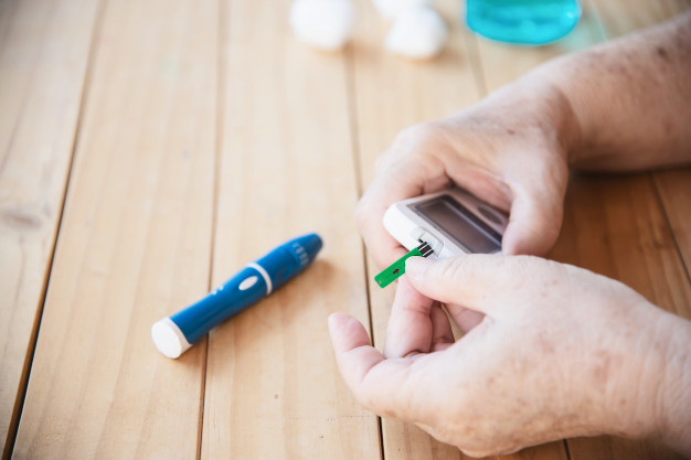 5 TIPS TO AVOID DIABETES COMPLICATIONS